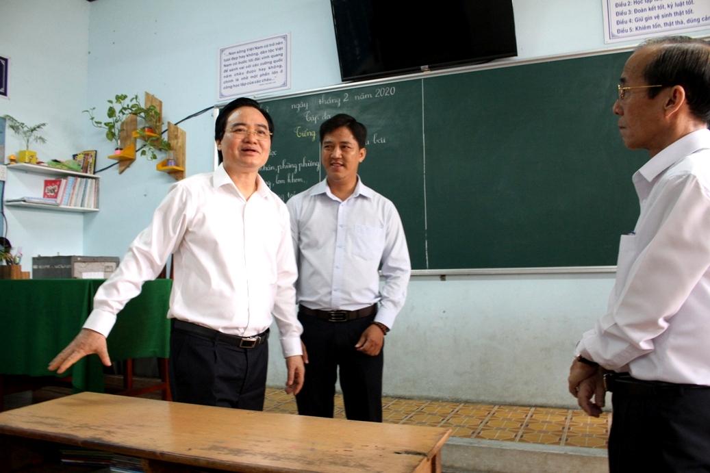 Bộ trưởng Phùng Xuân Nhạ: Sẽ lùi thời điểm kết thúc năm học