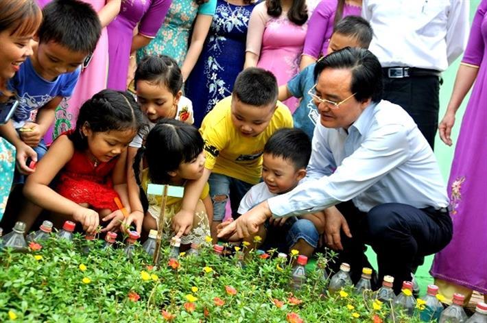 Bộ trưởng Phùng Xuân Nhạ: Chương trình giáo dục phổ thông mới là cơ hội để thầy cô thay đổi