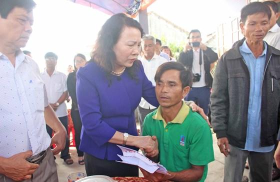 Bộ GD&ĐT thăm hỏi, động viên gia đình học sinh bị đuối nước ở tỉnh Quảng Nam